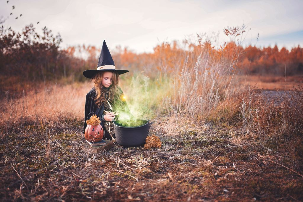 Photo by Paige Cody on Unsplash.  Halloween is just over a week away and as the Coronavirus pandemic is still  wreaking havoc across the country, it has now been confirmed that the traditional Halloween we all know and love cannot happen this year. This doesn't mean that Halloween is cancelled and your Children will still have access to some sugary treats.